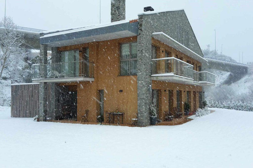 Geotermia Vivienda Bifamiliar Suelo radiante | Ingeka. Calefacción, refrigeración y ACS. Vivienda de 296 m2 de superficie